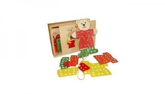Деревянная игрушка  Шнуровка Медвежонок QiQu Wooden Toy Factory